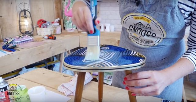 DIY WAX table vintage tissus vernis colle gnooss