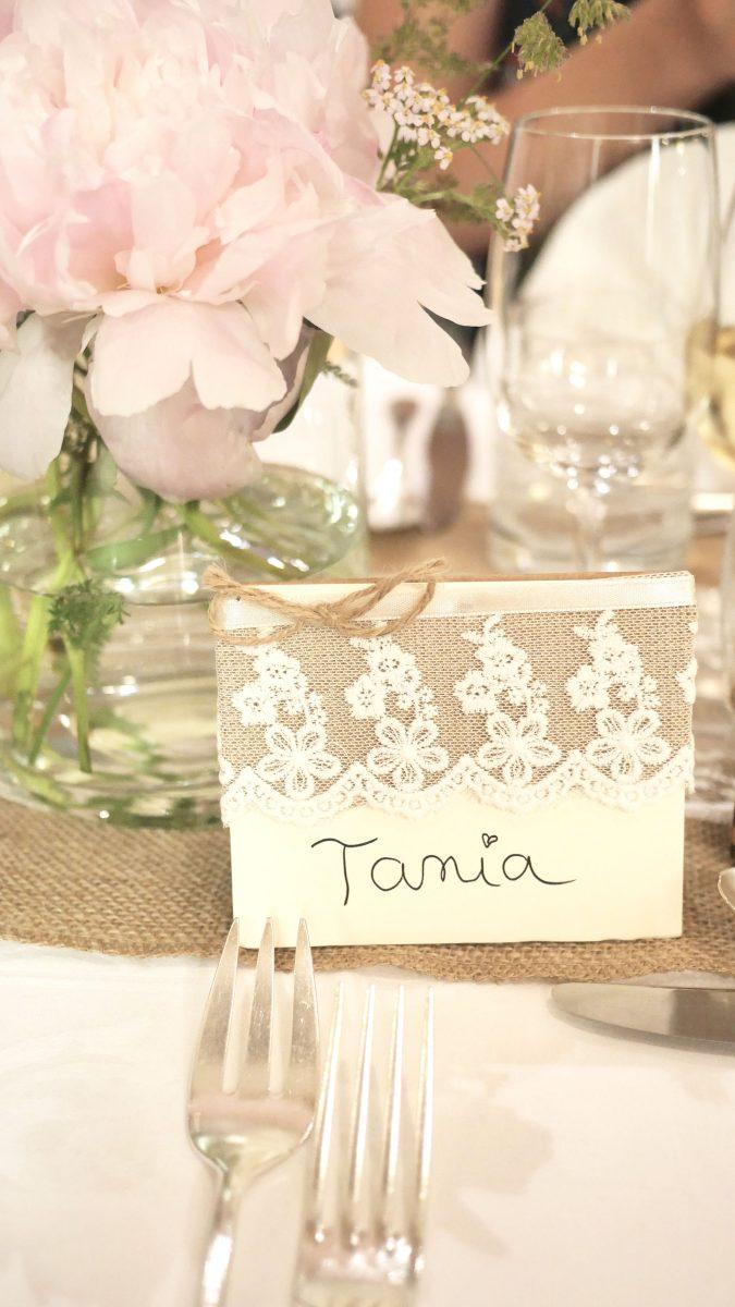 Idées déco pour une table de mariage champêtre - GNOOSS